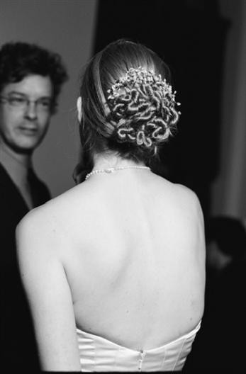 Re Please post your wedding hairupdo or half up dosthanks