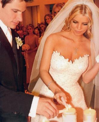 jessica simpson wedding hairstyles. Jessica Simpson went for a soft look at