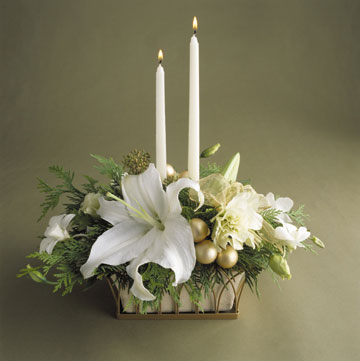 Re centerpiece for new years eve wedding Here 39s one with taper candles